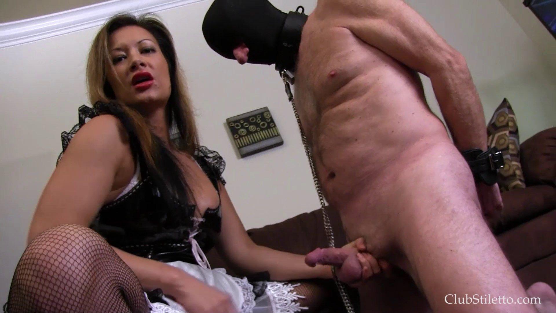 Carmen electra ass and boobs