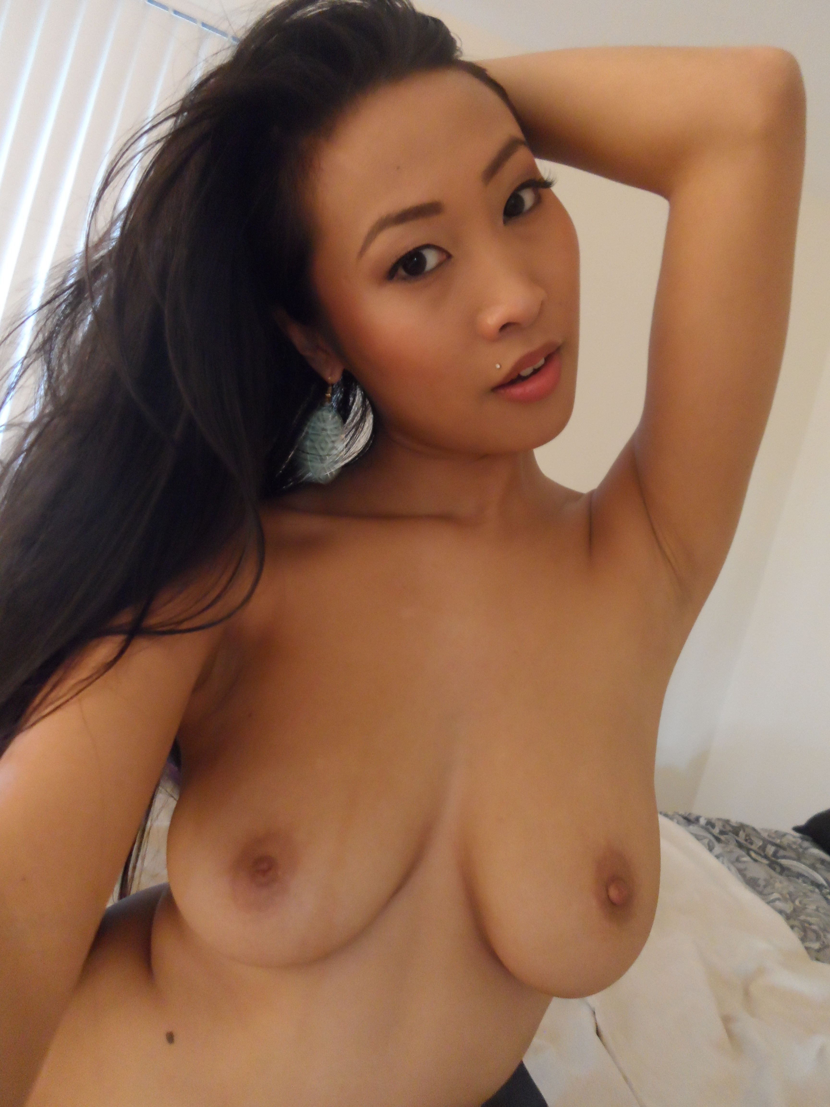 Good D. reccomend Asian girls looking for sex