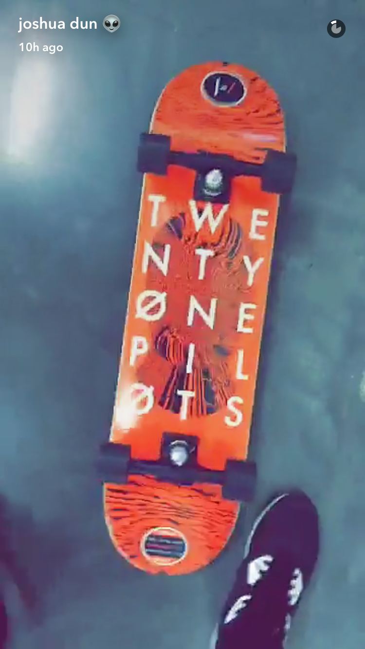 Moonflower reccomend Twenty one pilots skateboard