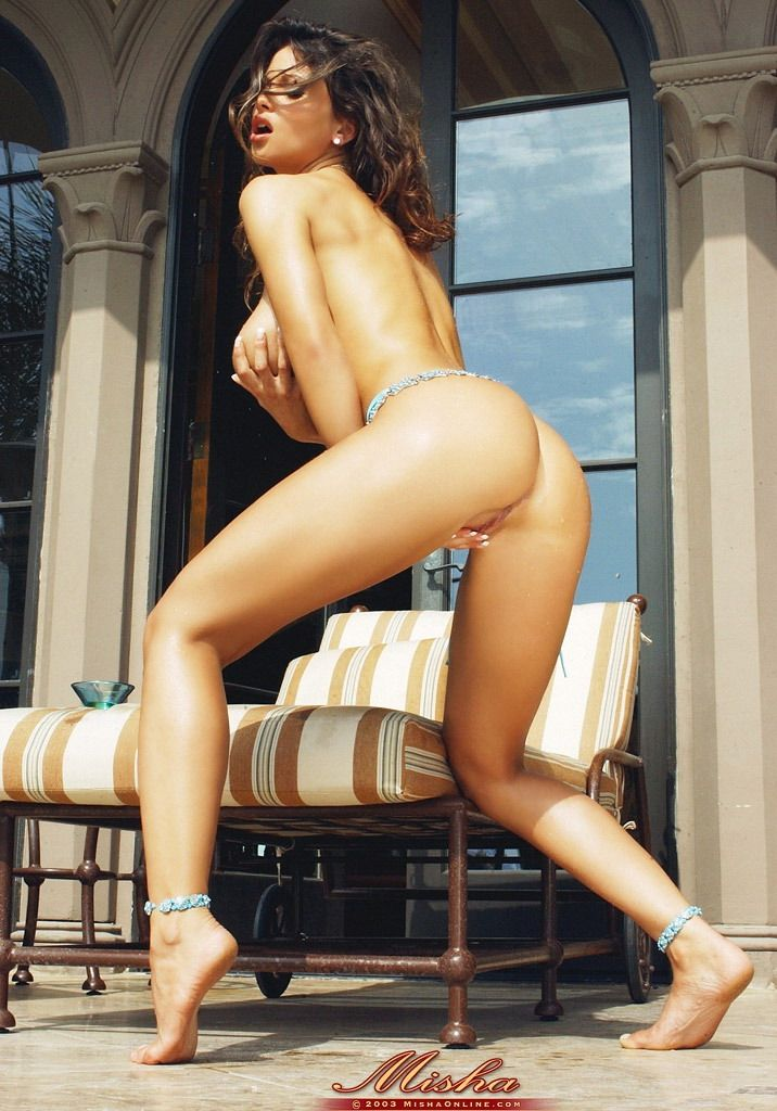 Nude amatuer women at home