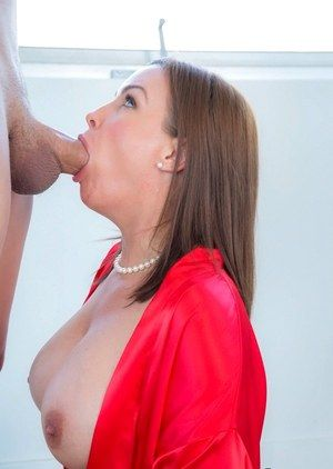 Free galleries deepthroating milf
