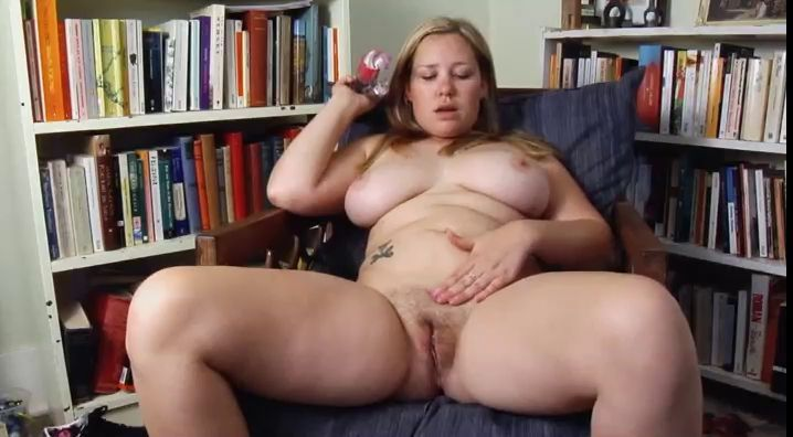 question Please, mature pussy with full open legs where can