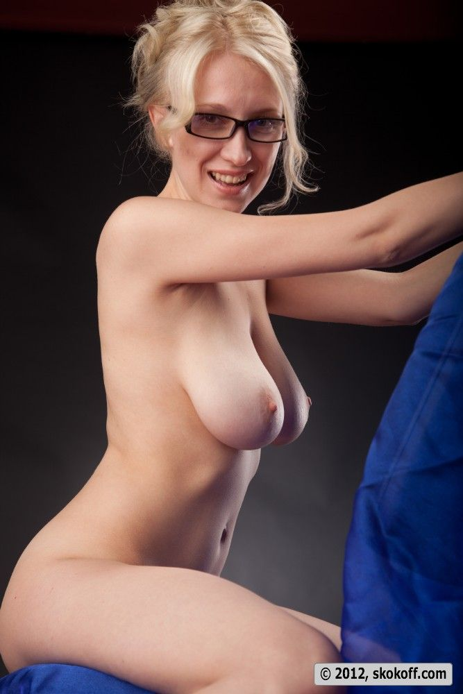 Consider, that hot nude blonde girls with glasses not understand