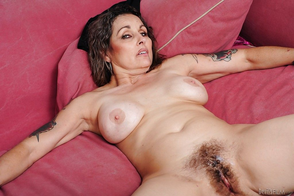 Hairy mature blowjob