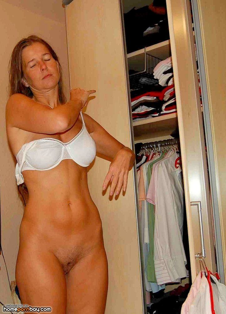 Real moms at home nude congratulate