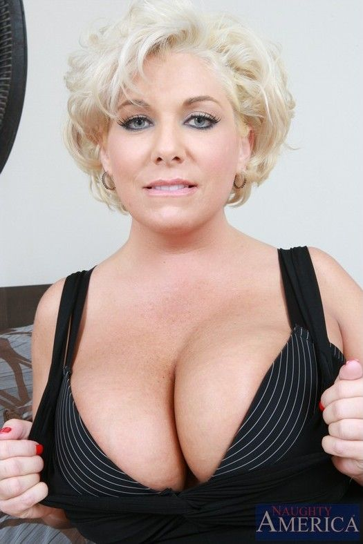 for honey blonde milf loves getting her titties sucked know site with