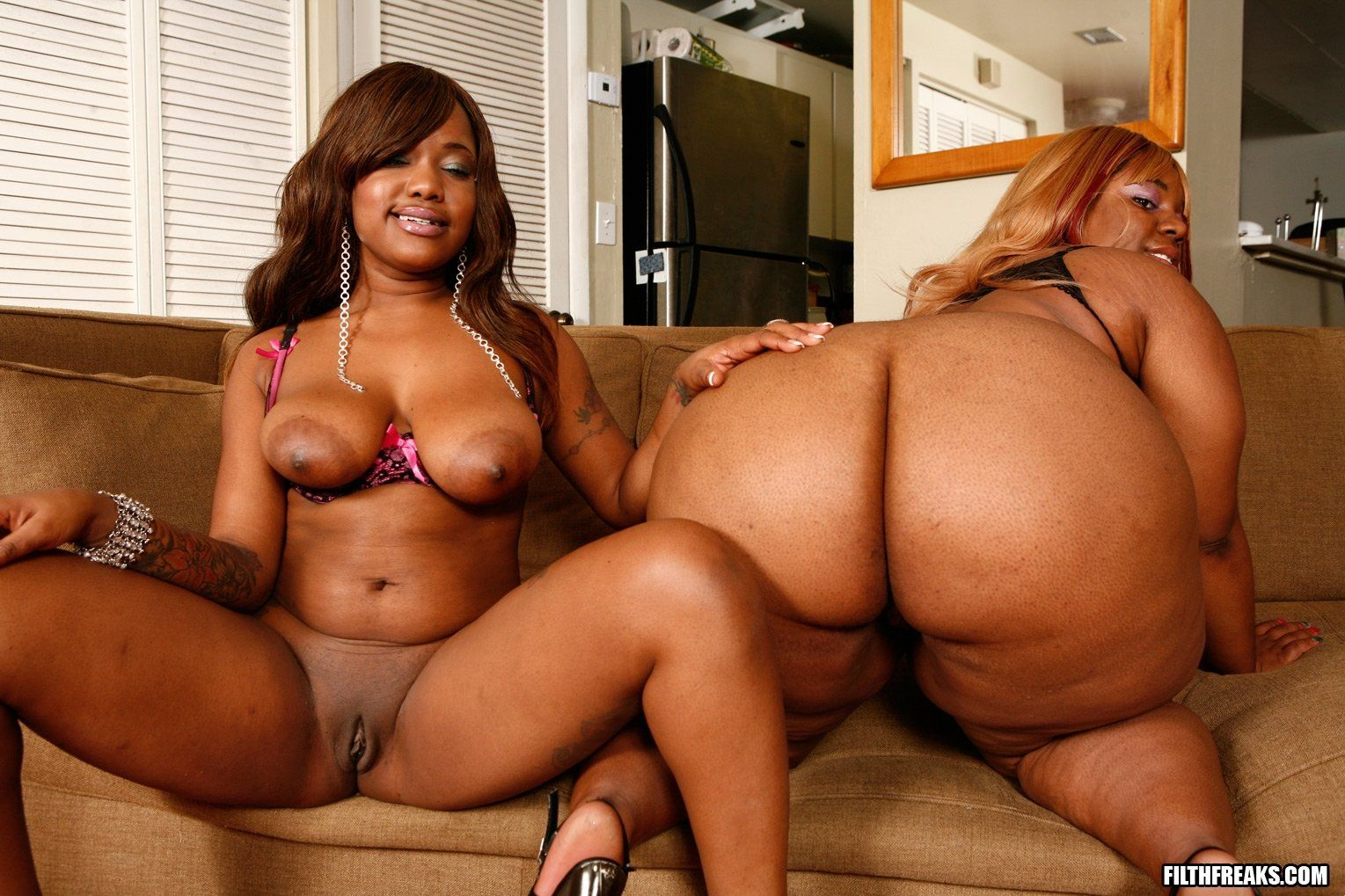 Fattest Black Asses Porn - Black naked fat girls having sex - xxx pics