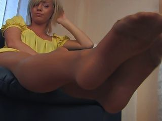 RHODA: Hot nurse feet in tan pantyhose