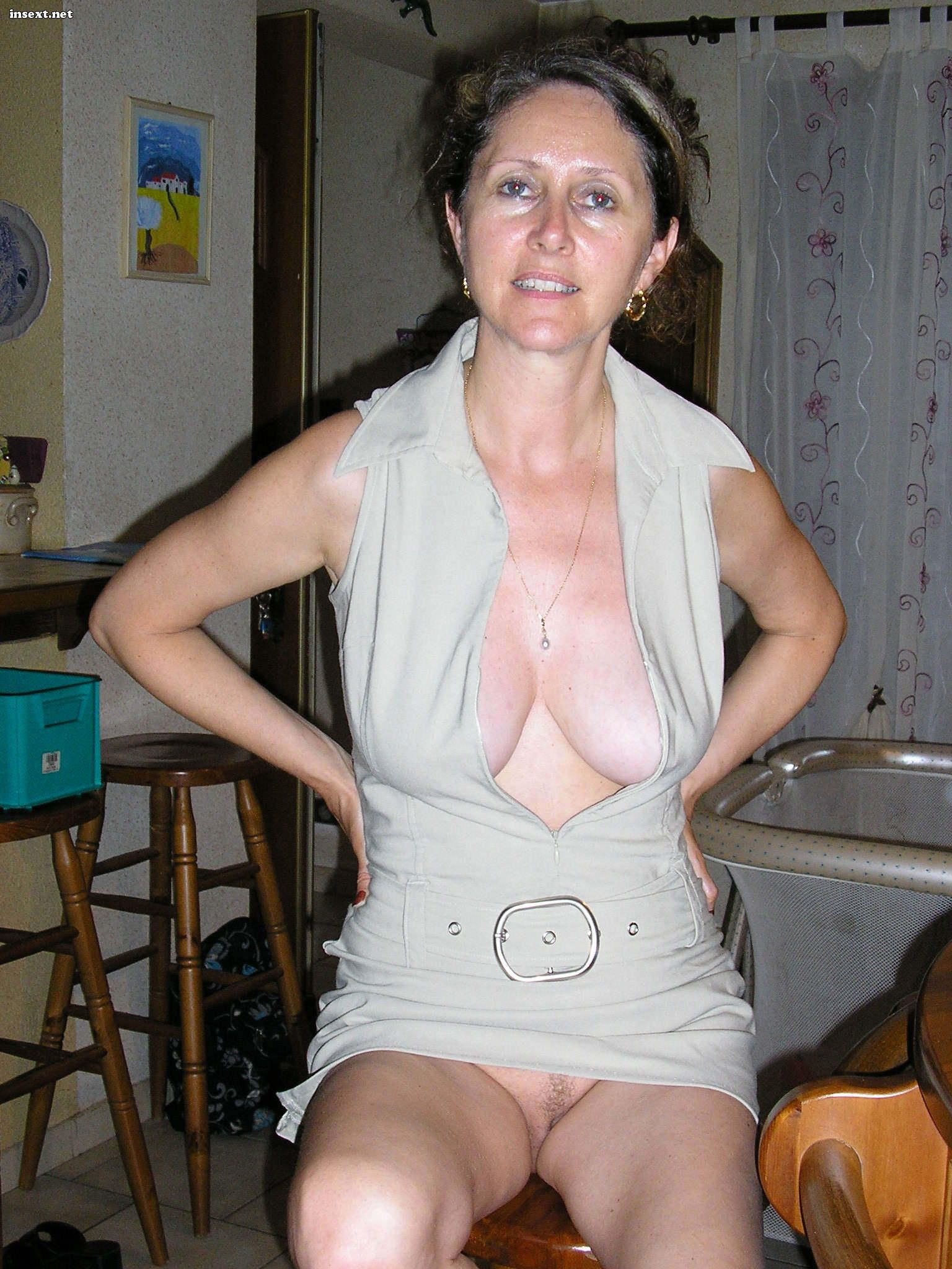 Naked older women home pictures