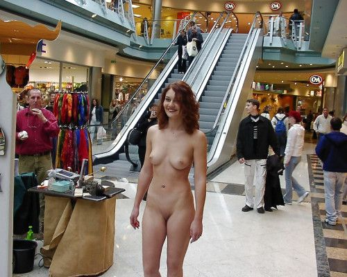 Naked girls at the mall have hit