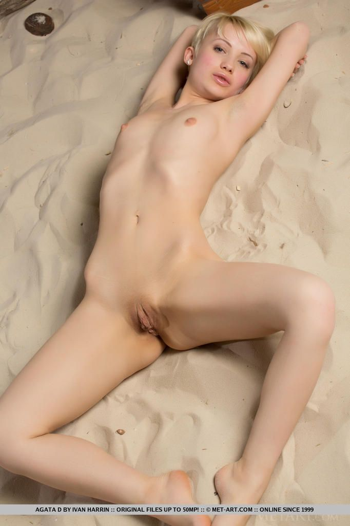 Short hair blonde nude women